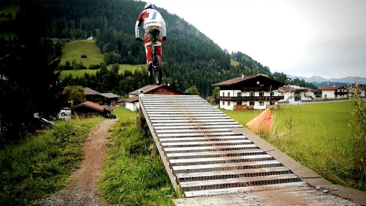 MTB Fahrtechnik Training (9): Mountainbike Sprung und Drop
