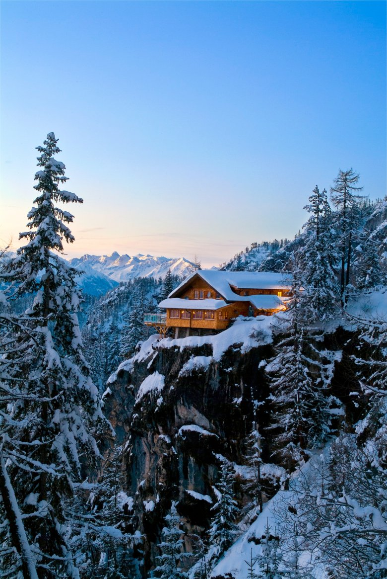 Die Dolomitenhütte in Osttirol. Foto: TVB Osttirol / Zlöbl