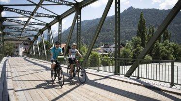 Innradweg bei Prutz, © Tirol Werbung / Soulas Oliver