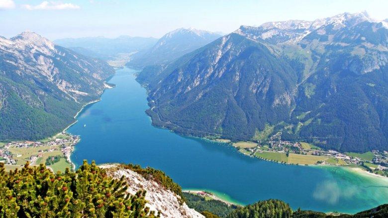 Von grün zu türkis hat der Achensee geschafft. Heute zählt er zu den saubersten Seen Tirols. Foto: TVB Achensee