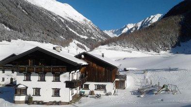 Berghof Winteransicht