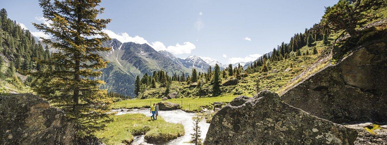 Wandern im Stubaital, © Stubai Tirol/Andre Schönherr