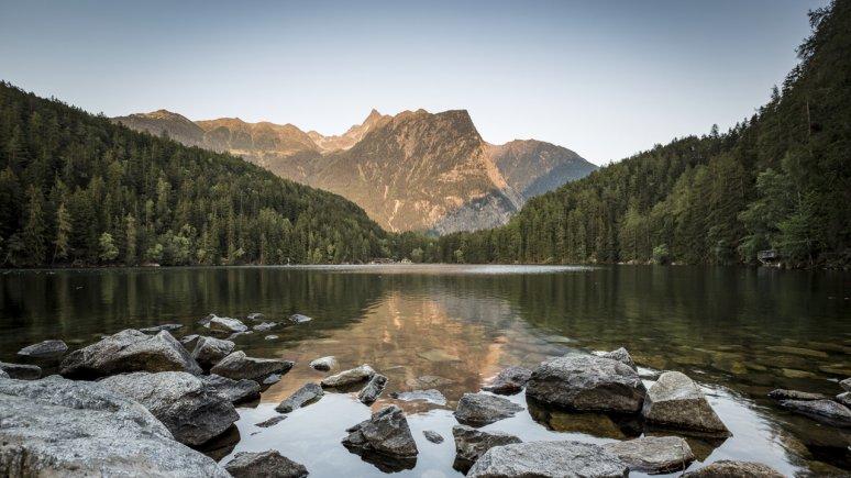 Piburger See im Naturpark Ötztal, © Ötztal Tourismus / Rudi Wyhlidal