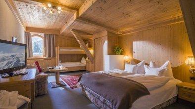 Hotel Almhof**** - Familiensuite Arbiskopf