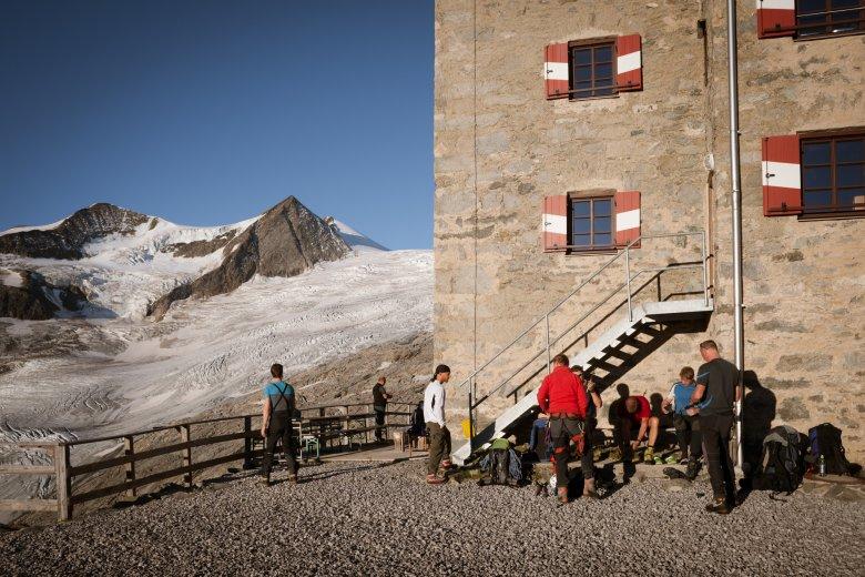 Bei den Studers dreht sich prinzipiell jedes Tischgespräch ums Bergsteigen. Ein- bis zweimal wöchentlich führt Wilfried auch selbst noch Bergsteiger auf den Großvenediger.