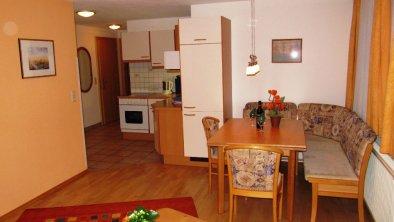 Apart Pepi s Ferienwohnungen, © Wohnzimmer mit Küche Wohnung Venetblick