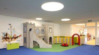 Der-Laerchenhof_Kinderclub-01_2000px-300dpi