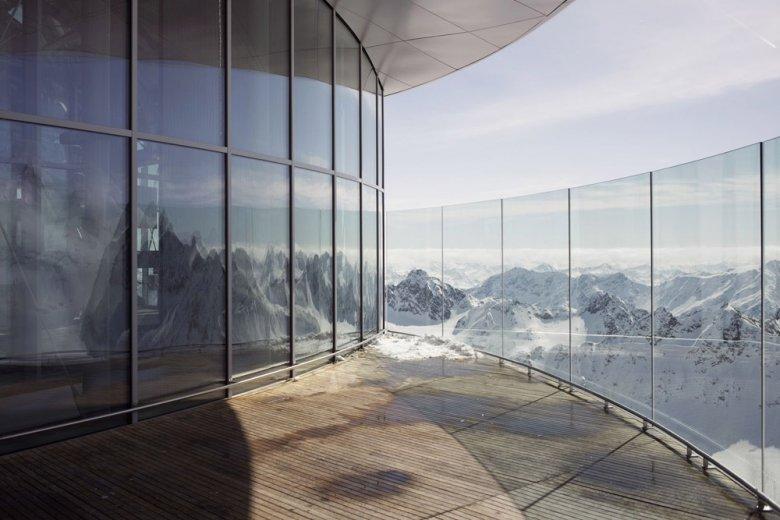 Beim Kaffee trinken über 50 3.000er bestaunen, Foto: Tirol Werbung, Verena Kathrein