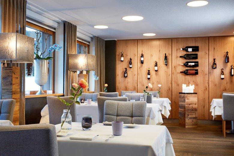 Simon Taxacher verwöhnt seine Gäste im Restaurant Rosengarten in Kirchberg – der beste Koch Tirol's.