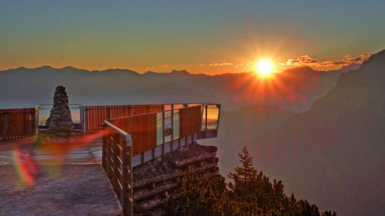 "Sonnenaufgang bei der Aussichtsplattform ""StubaiBlick"", © Schlick2000/Norbert Span"