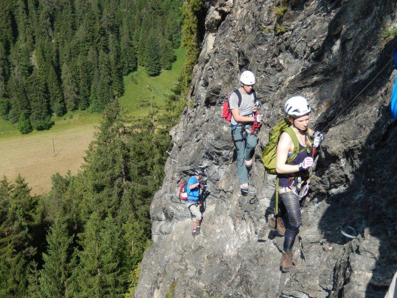 Beim Klettersteig in der Stafflacher Wand finden Fortgeschrittene eine neue Herausforderung. Foto: TVB Wipptal