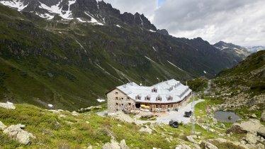 Jamtalhütte im Silvretta Gebirge, © TVB Paznaun-Ischgl
