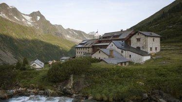 Berliner Hütte in den Zillertaler Alpen, © Tirol Werbung/Jens Schwarz