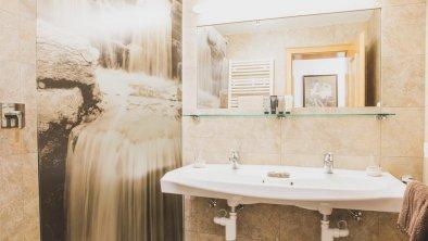 wohnung1-badezimmer, © Manuel Jammer