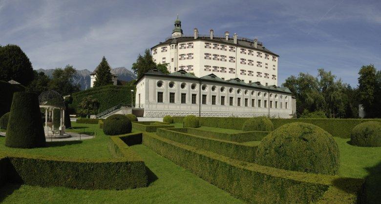 Park im Schloss Ambras Innsbruck (Tirol Werbung/Bernhard Aichner)