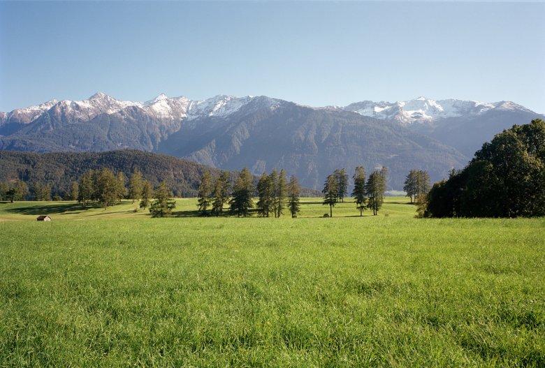 Der Klassiker im Frühling: Von Innsbruck auf das Mieminger Plateau (im Bild).