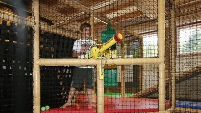Indoorspielhaus_Familien_Kinder_Ferien_Uralub