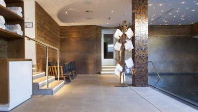 Pool Valluga Hotel