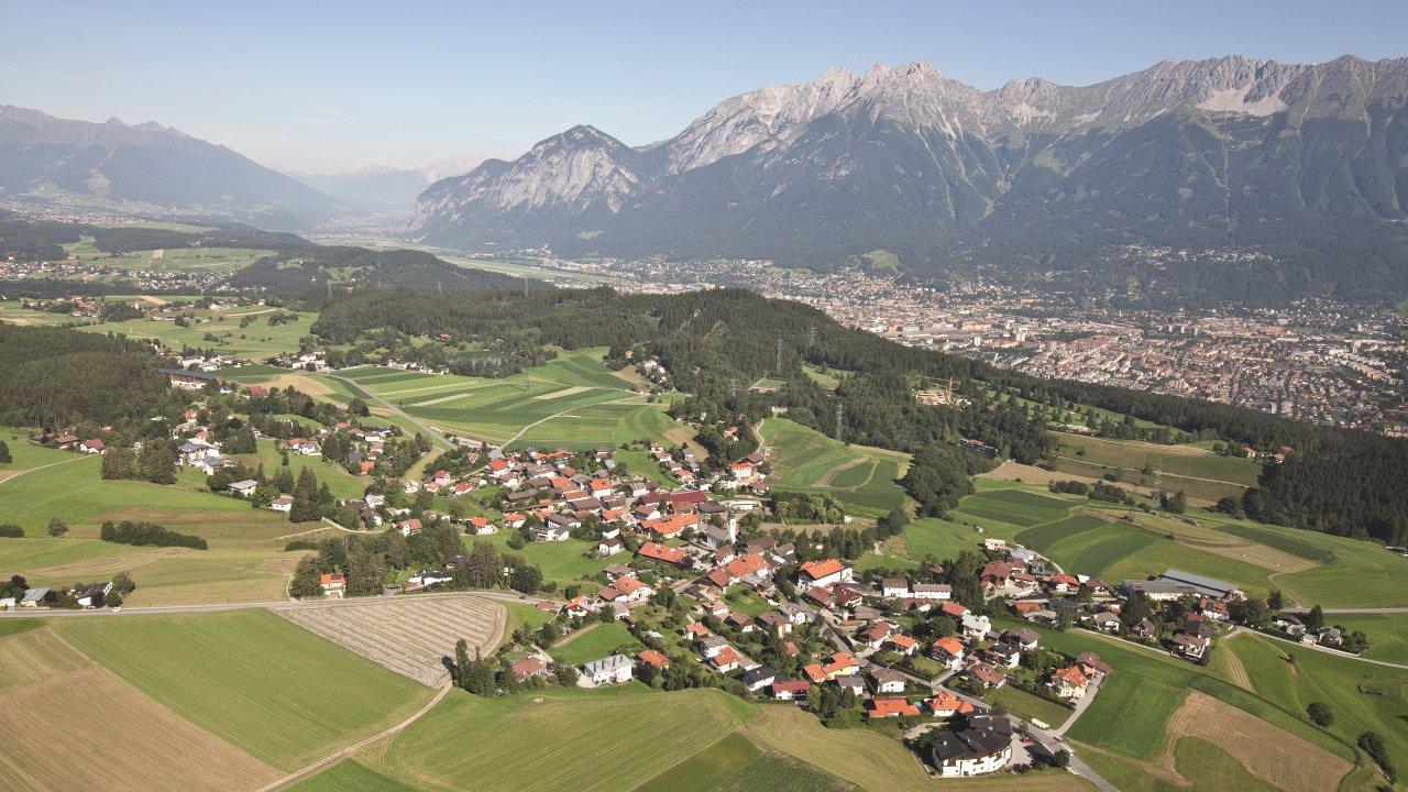 Lans im Sommer, © Innsbruck Alpine Luftbild