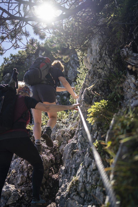 Beim Aufsteig zur Coburger-Hütte kommt man an steilere Passagen mit Drahtseilen nicht vorbei.