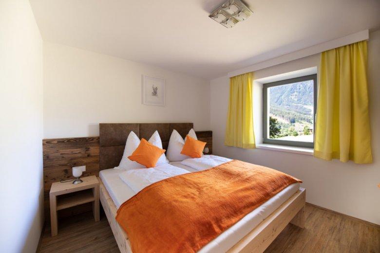 Schlafzimmer in einem der Binter-Appartments der Familie Obkircher. Foto: Binter Appartments