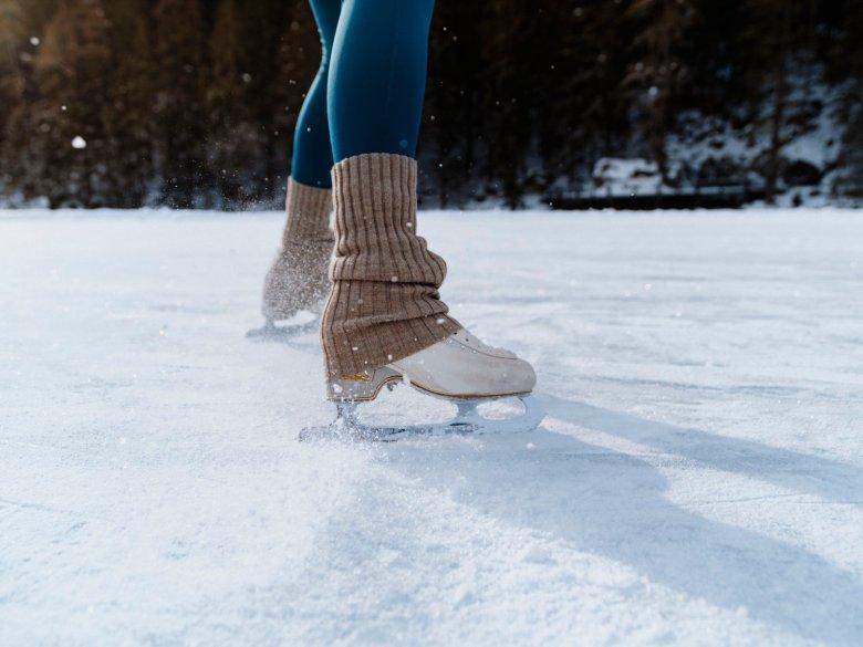 Wieso sind Schnee und Eis eigentlich rutschig?