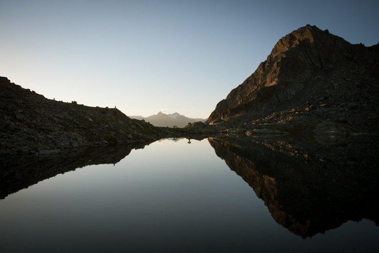 Oberhalb der Hütte liegt der Wettersee. Dieser sorgt für Trinkwasser und Strom. Alle Fotos: Tirol Werbung/Jens Schwarz