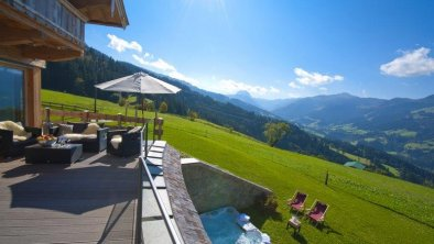 Maierl Chalet im Sommer