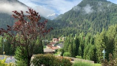 Alpine Sunshine, © bookingcom
