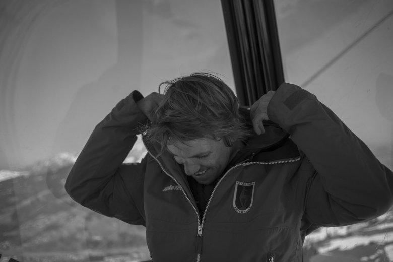Skilehrer können eine Sache am besten: Skifahren oder Snowboarden und andere darin unterrichten. Alles andere ist eine Frage des persönlichen Zugangs in Beziehungsfragen. Und der ist bekanntlich bei jedem Menschen anders.
