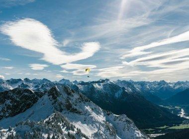Föhnwolken über dem Außerfern. (c) Tirol Werbung/Simon Toplak