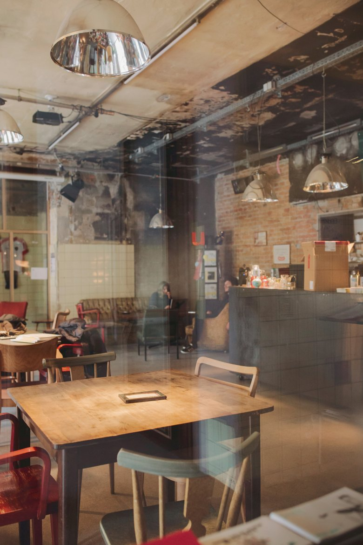 """Deswegen finden hier auch Lesungen statt oder das """"Philosophische Café""""."""