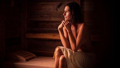frau_sauna
