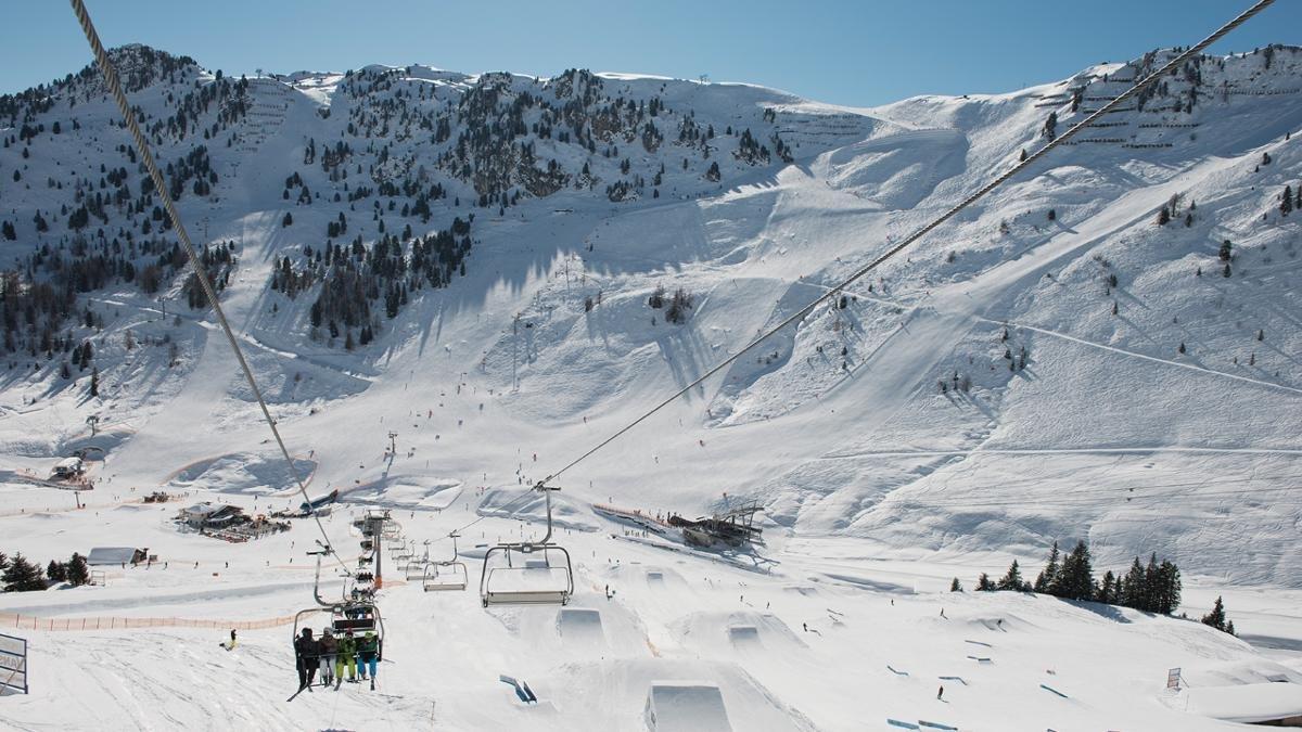 Freiheit ist, seine Grenzen auszuloten. Dutzende Obstacles fordern Ski- und Snowboardanfänger genauso heraus wie routinierte Wintersportler und abgebrühte Profis., © Mayrhofner Bergbahnen