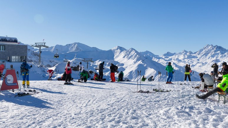 Skifahren in Ischgl, © Tirol Werbung/W9 STUDIOS