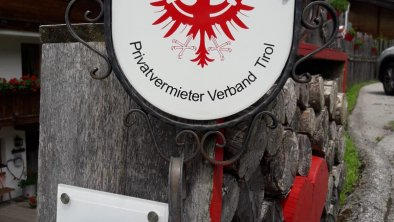 Alpine Gastgeber und  4 Edelweiss