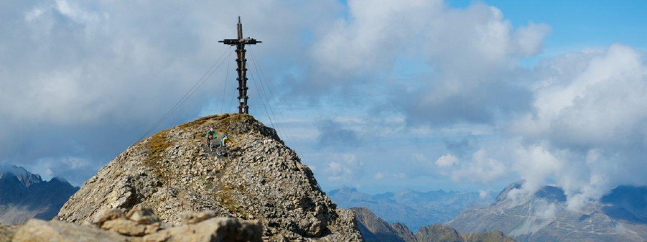 Das Stammgästekreuz auf 2.871 Meter Seehöhe, © TVB Paznaun-Ischgl