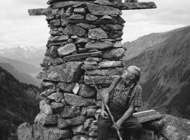 Erich Gatt hat auf der Zeischalm eine kunstvolle Welt aus Steinen erschaffen.