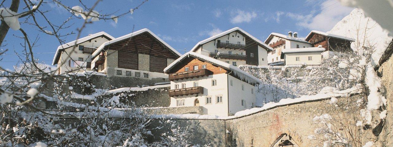 Grins im Winter, © Archiv TirolWest/Albin Niederstrasser