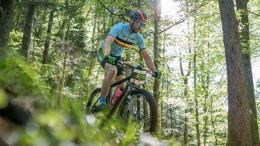 Ab durch den Wald: Beim eldoRADo Bike & Run Festival in Angerberg gibt es drei MTB-Routen, © Ringer Klein