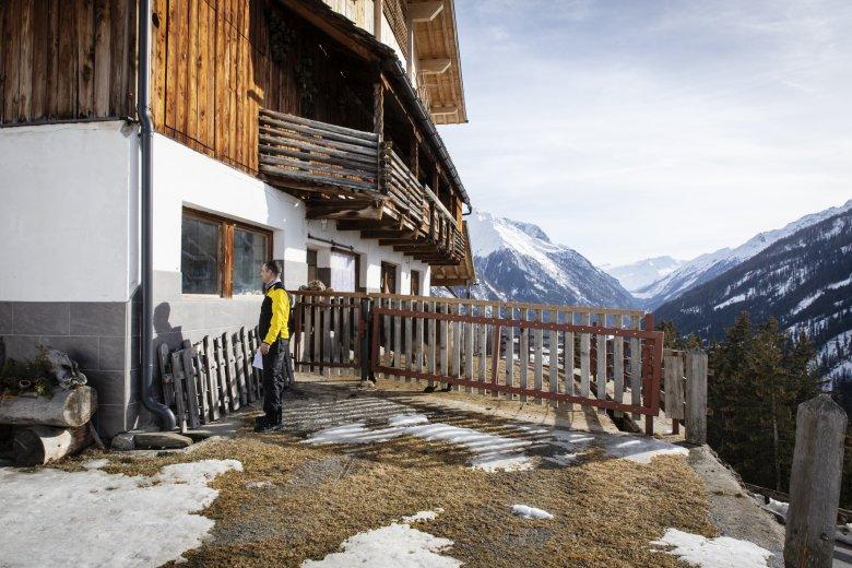 Wenn niemand daheim ist, schaut Harald auch mal im Kuhstall nach. Man weiß ja nie, wo sich die Bewohnerinnen und Bewohner gerade aufhalten.