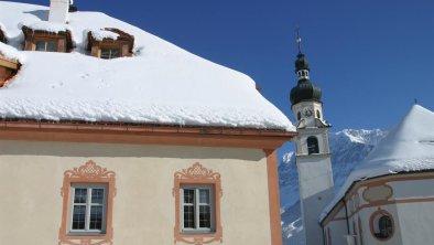 Winter aussen mit Kirche