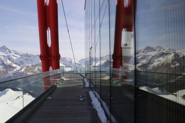 Blick von der Adler Lounge auf den Großglockner. Foto: Tirol Werbung / Janine Hoffmann