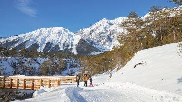 Winterwandern auf dem Mieminger Plateau, © Innsbruck Tourismus / Vorhofer