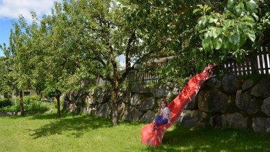 Rutsche im Garten