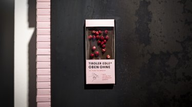 """Tiroler Edle""-Schokolade aus Milch vom Tiroler Grauvieh, © Tirol Werbung/Lisa Hörterer"