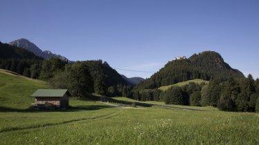 Wandern in der Naturparkregion Reutte, © Tirol Werbung/Lisa Hörterer