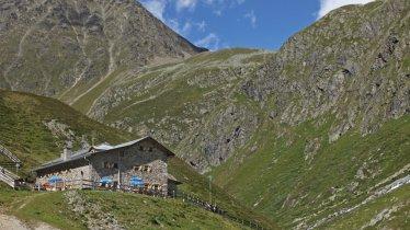Amberger Hütte in den Stubaier Alpen, © Anton Thaler