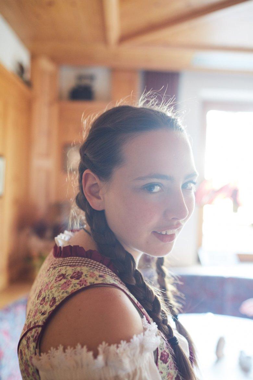 VANESSA STRIGL absolviert im Goldenen Lamm in Weißenbach eine Gastronomie-Ausbildung. Dabei ist sie abwechselnd für acht Wochen in der Berufsschule, dann wieder für mehrere Monate in der Gastwirtschaft. Weil Strigl lernschwach ist, dauert die Ausbildung drei statt zwei Jahre.