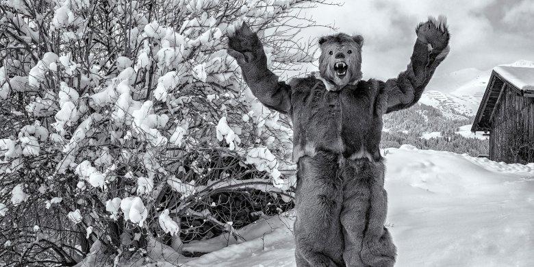 Der Bär symbolisiert beim Fisser Blochziehen das Bändigen der Naturgewalten, aber auch Fruchtbarkeit.